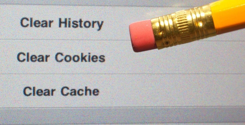 Screenshot di un video con 3 righe di testo riguardo anche i Cookies ed affianco una matita